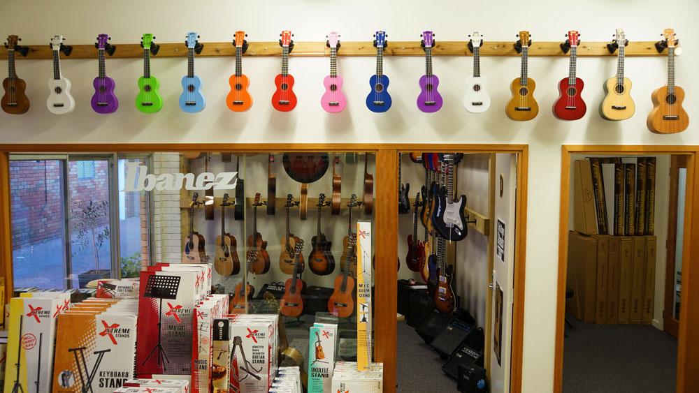 mahalo-ukulele-display